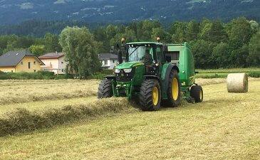 agardienst-traktor-heuballen