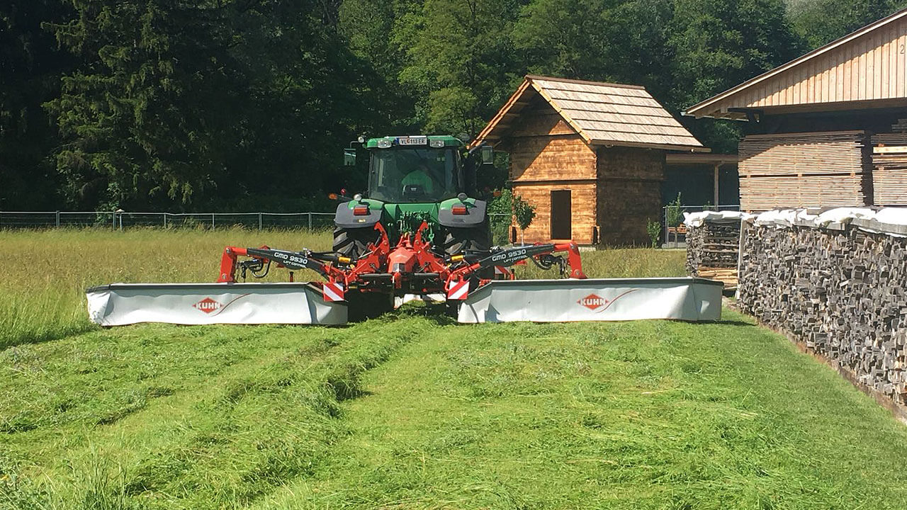 gruenraumpflege-traktor